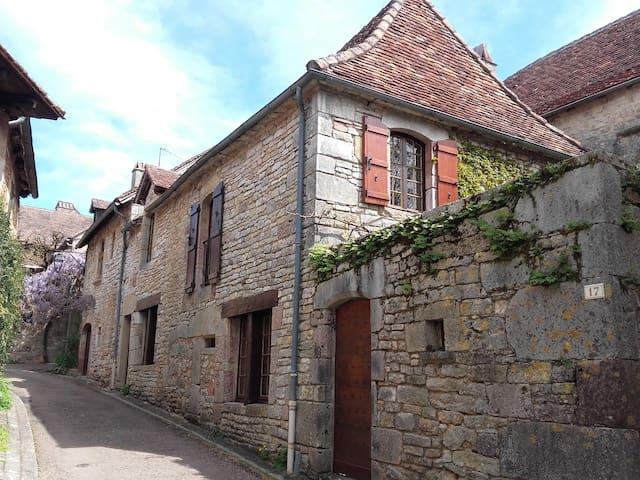 Maison médiévale 3* pour 6 personnes