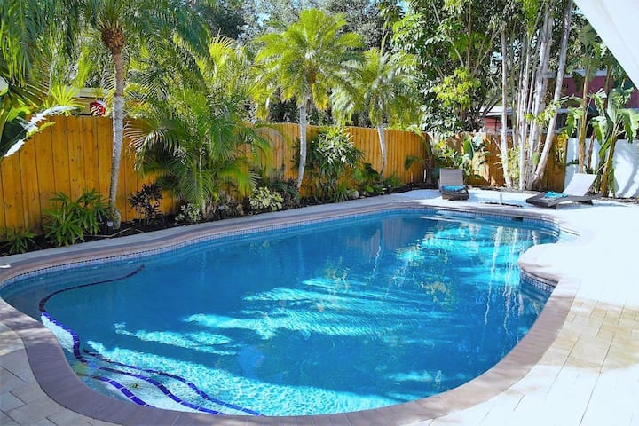 Paradise Home - Private Pool - Close Beaches / IMG