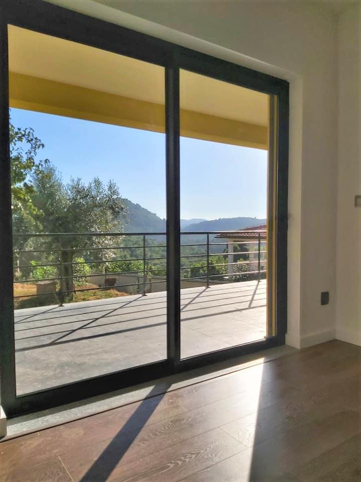 Casa Mimosa, Luxurious, Contemporary Village Home