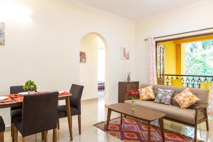 2 BHK Apartrment with POOL Candolim | Casa Stay