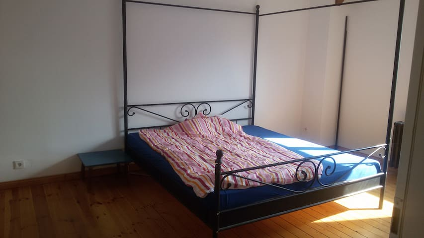 bright room in top floor of family house, Pankow - Berlin