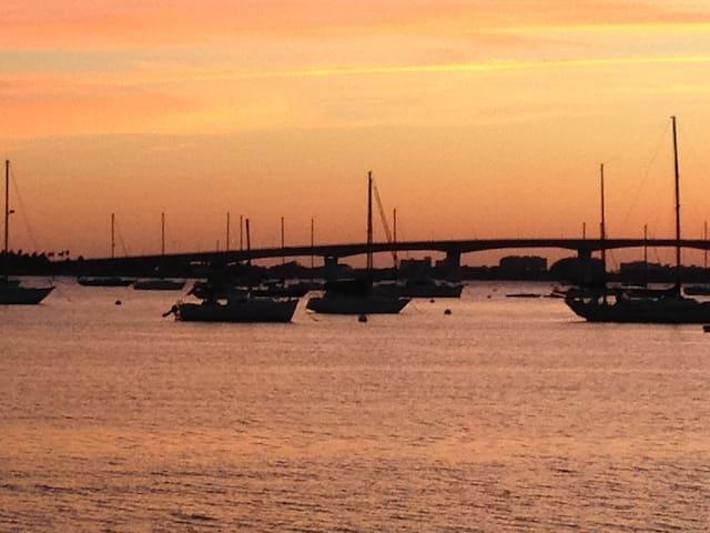 Best Location Downtown Sarasota, - Sarasota - Apartment