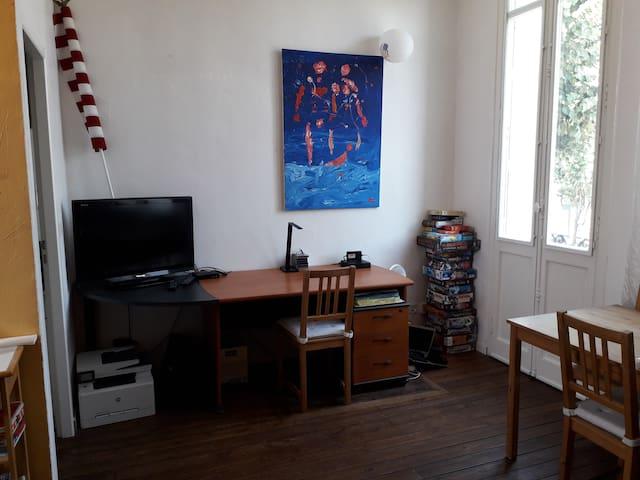 Bordeaux: appartement lg séjour sur les boulevards