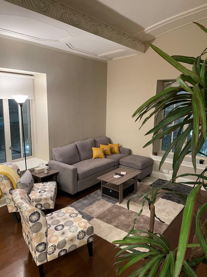 Historic 1 Bedroom Condo w/ AMAZING Views