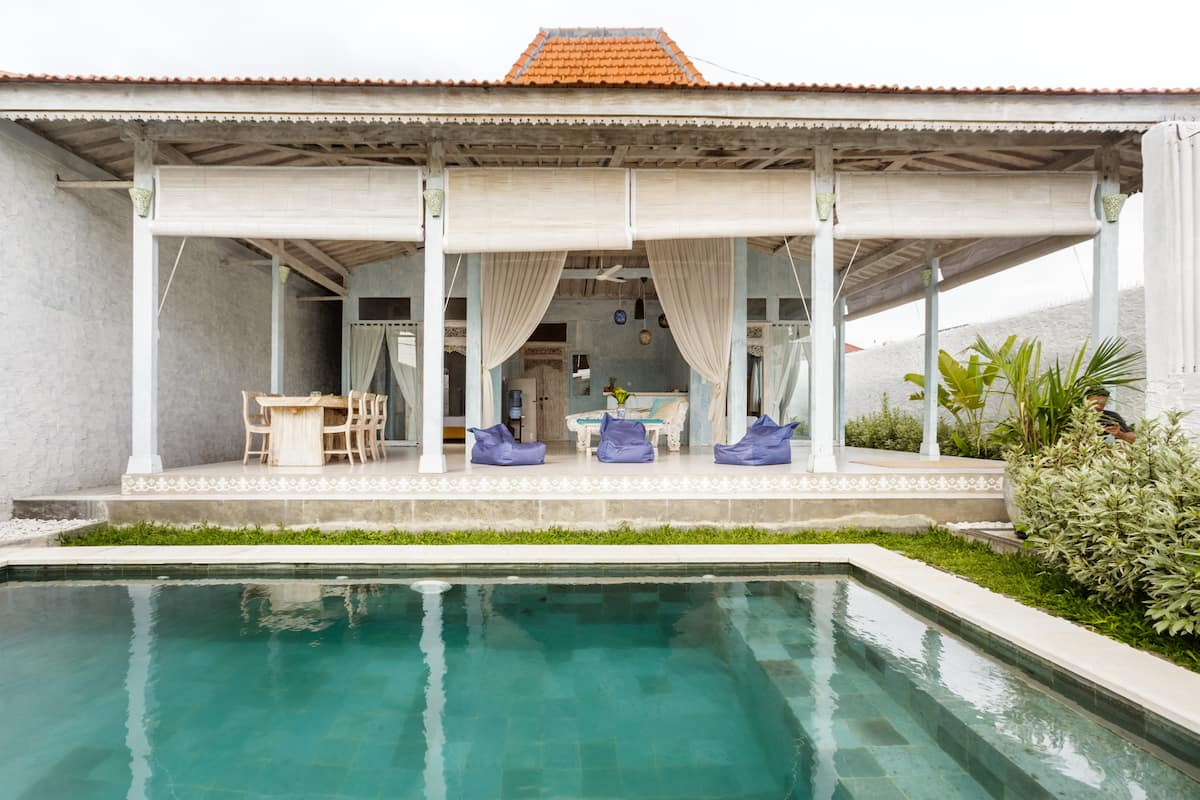 New Joglo-Style Canggu Villa close to Beach
