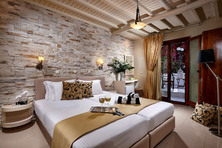 Galaxy (Superior room- Garden view) - Naxos - Bed & Breakfast