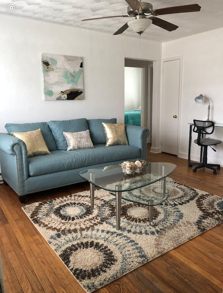 2BR Teal Apartment Near Downtown Norfolk