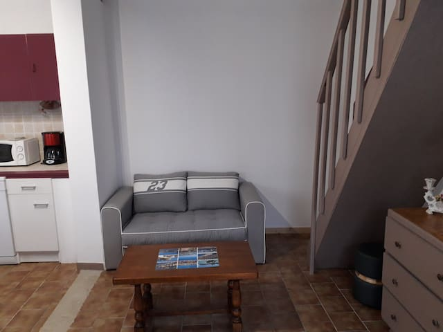 coin salon avec 2 canapés