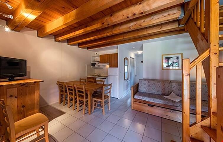 Appart Duplex dans les Montagnes avec Accès Piscine et Sauna