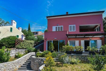D&M apartment with 3 bedrooms in Rijeka-Kostrena