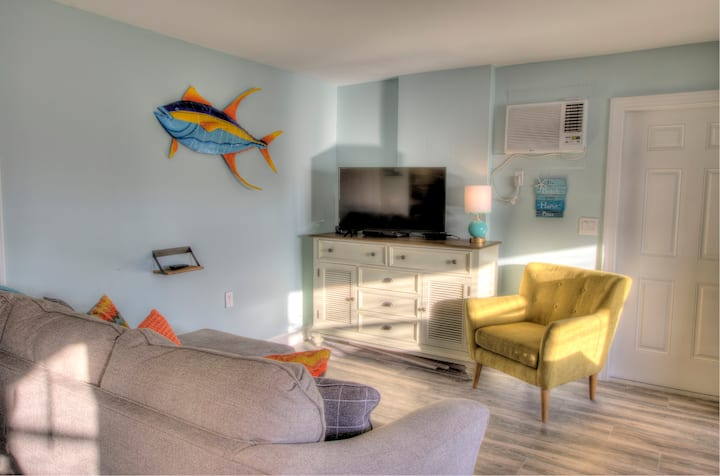 4 Beach Access, Close to Time's Square, On water
