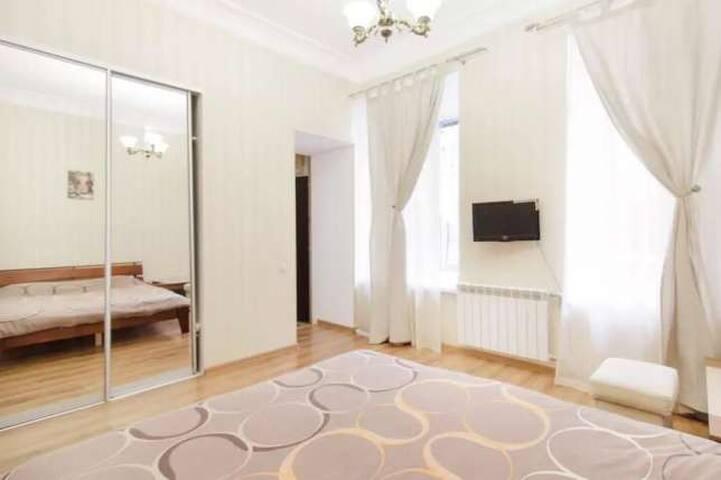 Pretty apartment near Deribasovskaya st. - Odessa - Appartement