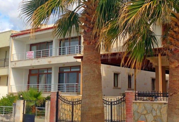 Lille lejlighed, direkte til vandet - Kuşadası - Apartmen