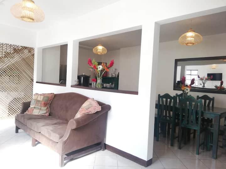 Casa Capu+NETFLIX+Antigua Center+GREAT WIFI