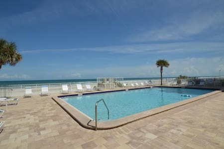Ponce Inlet Beach Oceanfront 2/2 - Port Orange - Apartament