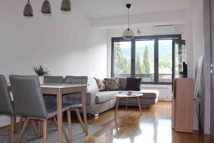 KoZarA Apartment | FREE GARAGE PARKING