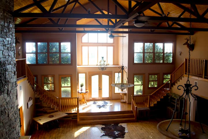 10,000 Sq. Ft. Cabin - Perfect for Family Reunions