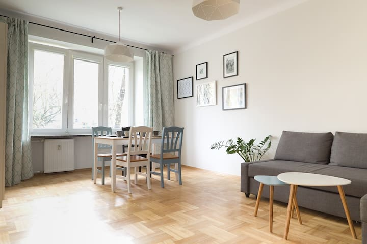 LARGE FLAT FOR 6 NEAR OLD TOWN - LET'S HYGGE - Warszawa - Appartement