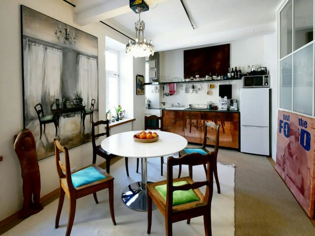 Munich city center, beautiful exclusive apartment