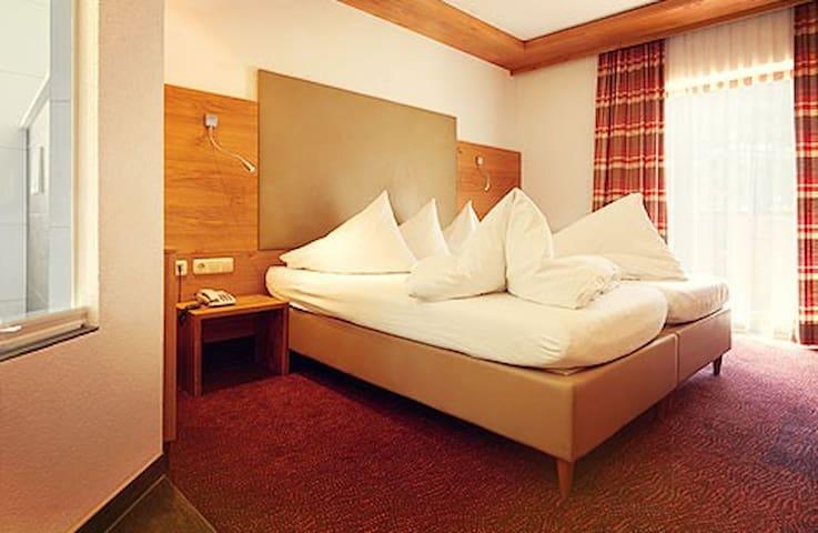 Einbettzimmer 1 incl. Frühst. u.Sauna Wellnessoase - Landeck - Mobilyalı daire