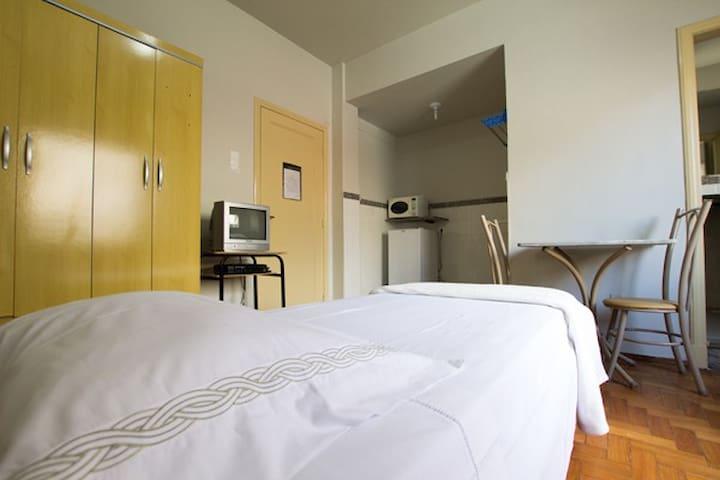 Suítes Individuais no Centro de BH - 426 - Belo Horizonte - Apartemen