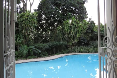 Cowies Hill, Peaceful and Private Garden Apartment - Pinetown - Gästesuite