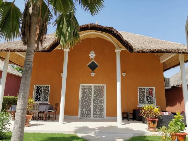 Villa avec plage privée et piscine collective