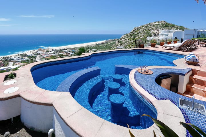 Pedregal Beauty with Spectacular Views for 14!