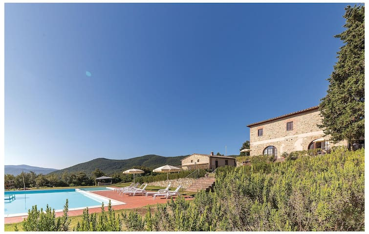 Holiday apartment with 1 bedroom on 45 m² ITN437