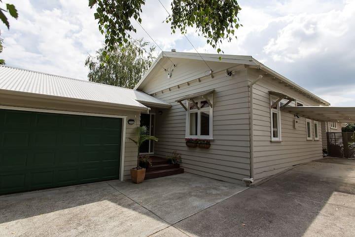 KEJUS Airbnb on Arthur Street, Onehunga, Auckland - Auckland