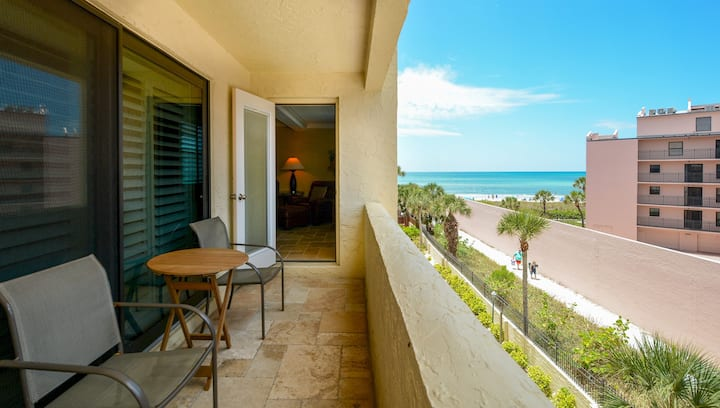 Condo 304 Spacious fully furnished 2BR 2Bath Recently Remodeled at Sea Shell Beach Front Property Located on Americas No 1 beach