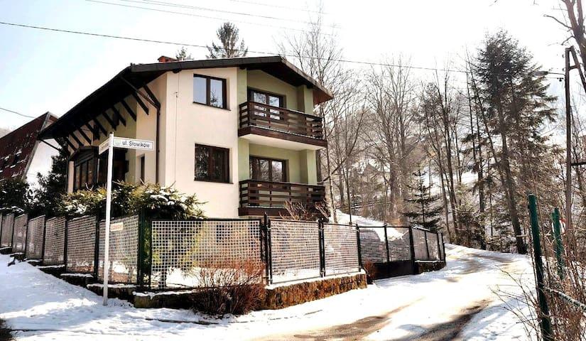 Samodzielny cichy dom blisko centrum i wyciągu - Szczyrk - Rumah