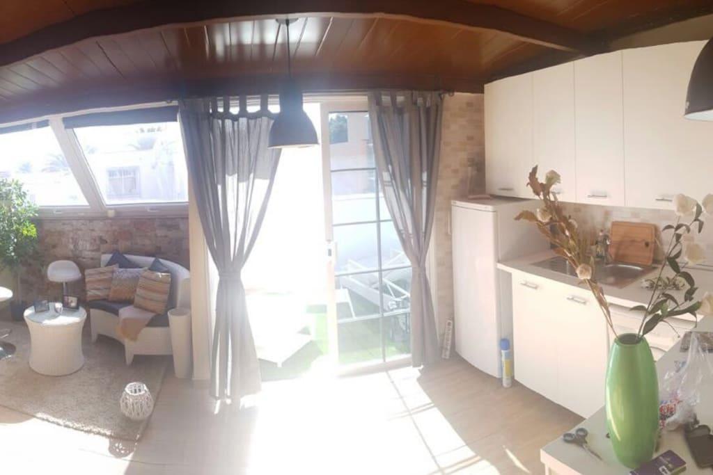 Salón Privado, Terraza Privada y Cocina Privada - Private Living Room, Prívate Terrace and Private Kitchen