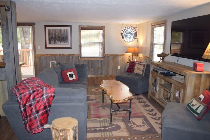 Newly Remodeled Serene Sunriver Cabin