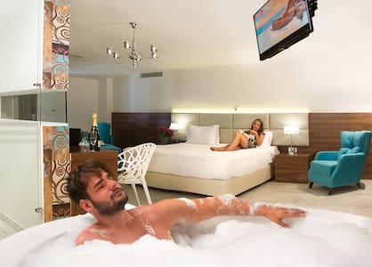 Executive Suite with Spa Bath - Stavros - Aamiaismajoitus