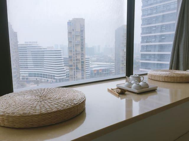「宅宅Amoy民宿」五缘湾︎全新loft复式公寓*门口BRT速达机场火车站*︎两面大观景飘窗