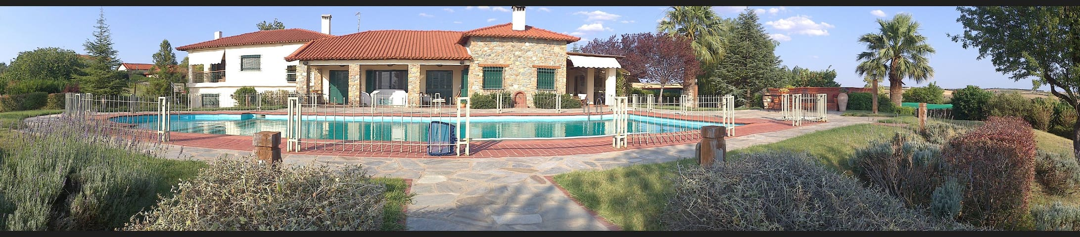 Estate & stone villa opposite mount Olympus - Kardia
