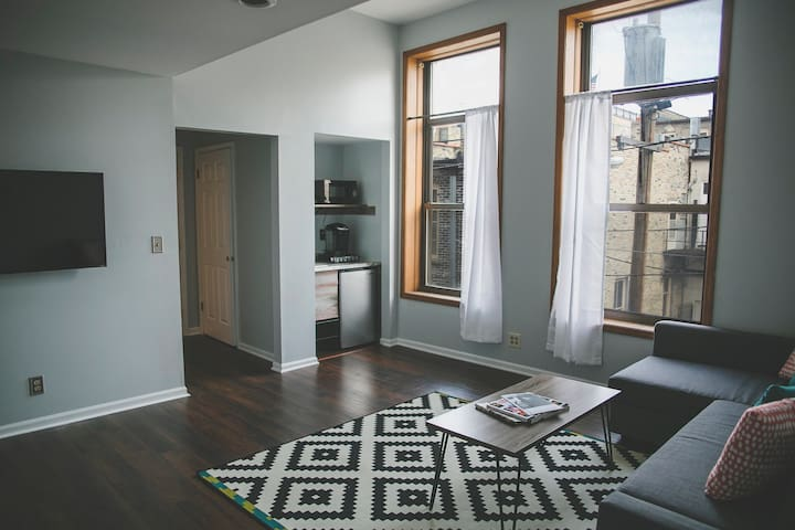 Ideal Business Stay 2 Bedroom Suite In Downtownmke Apartments For Rent In Milwaukee Wisconsin