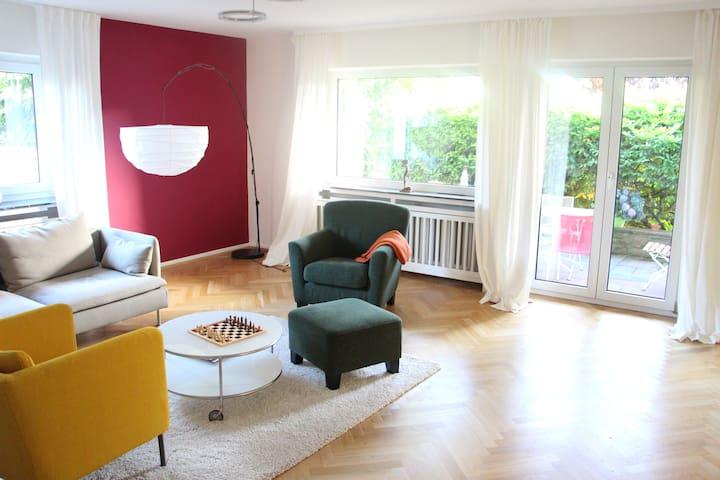 Wohnung zum Wohlfühlen mit Messe-/Stadtanschluss - Bad Soden - Selveierleilighet