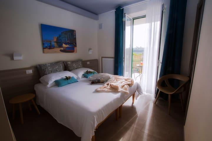 Casa Borgo Regina B&B Bari, camera con terrazza