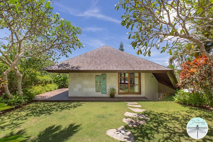 Uluwatu Luxury One bedroom Villa/ Villa Dragonfly