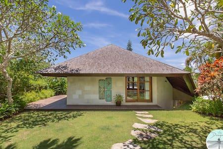 Uluwatu Luxury Bungalow/ Villa Dragonfly - Kuta Selatan - Banglo