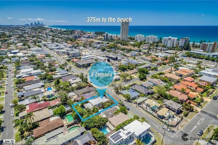 350m to Burleigh Beach, Large Home with Pool & Spa