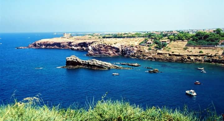 Villa Iole_grande giardino a due passi dal mare