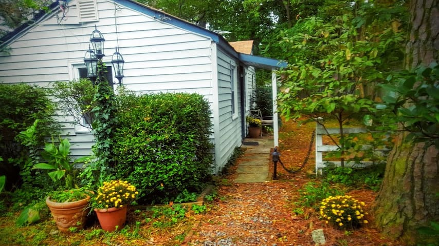 Cozy cottage with private yard - Norfolk - บ้าน