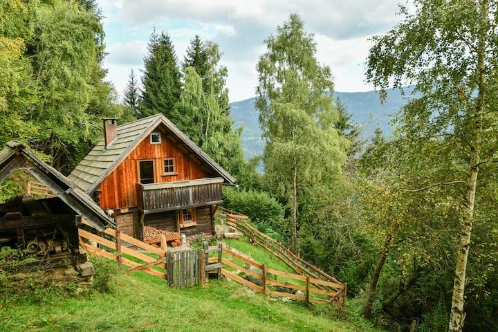 GUSTLHÜTTE - Urlaub in völliger Ruhe und Natur