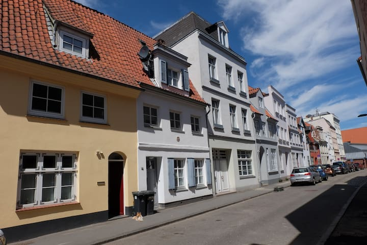 """Studio 1"" Holiday flat in Luebeck's Old Town"