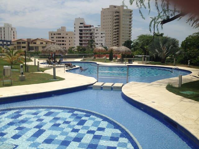 Santa Marta BelloHorizonte - Santa Marta (distrito turístico, cultural e histórico) - Apartamento