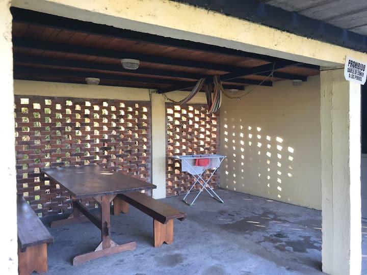 Cerca muelle Villa Soriano ;Se cobra luz aparte ..