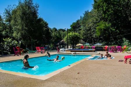 Safaritent op Camping les Bouleaux, Frankrijk